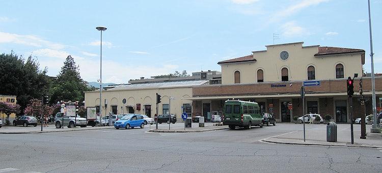 arezzo chiusi italy train - photo#41