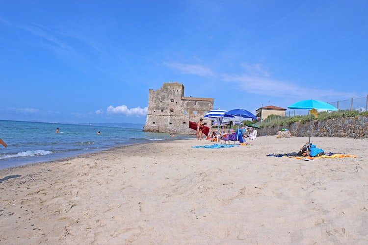 Best Beaches in Val di Cornia: Torre Mozza Beach