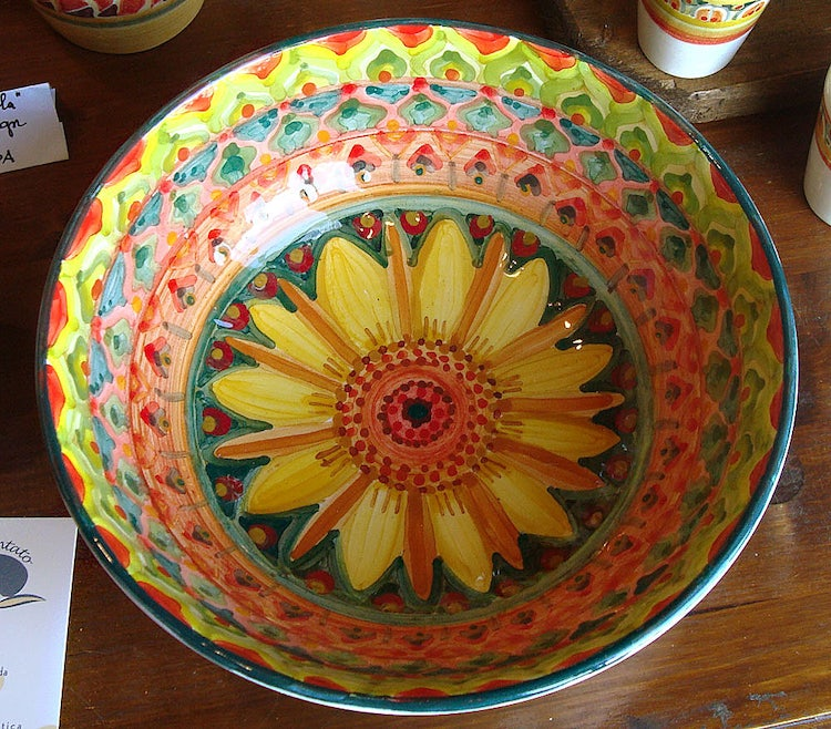 Handmade ceramic plates and bowls in Chianti