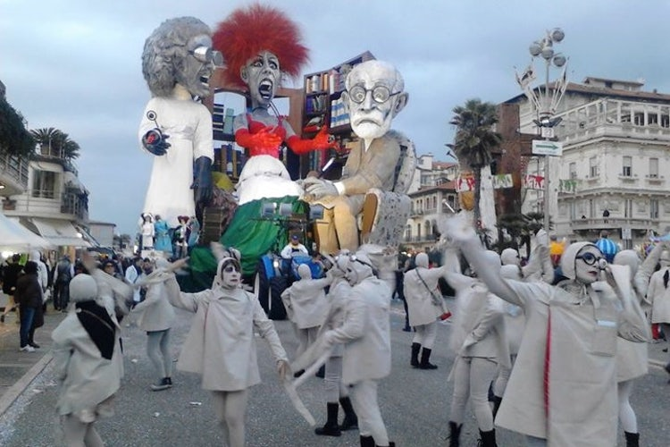 What to expect when you see Carnival in Tuscany
