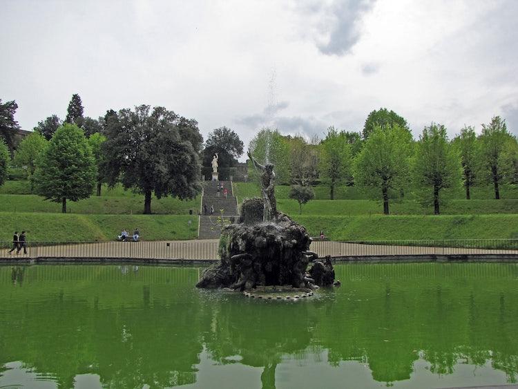 Boboli Gardens in Florence: Visit the Boboli Garden Behind Palazzo ...