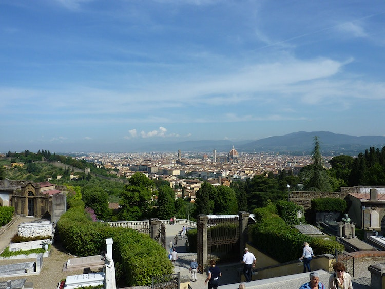 Explore Florence on Foot: Three Self-Guided Walking Itineraries to Explore Florence