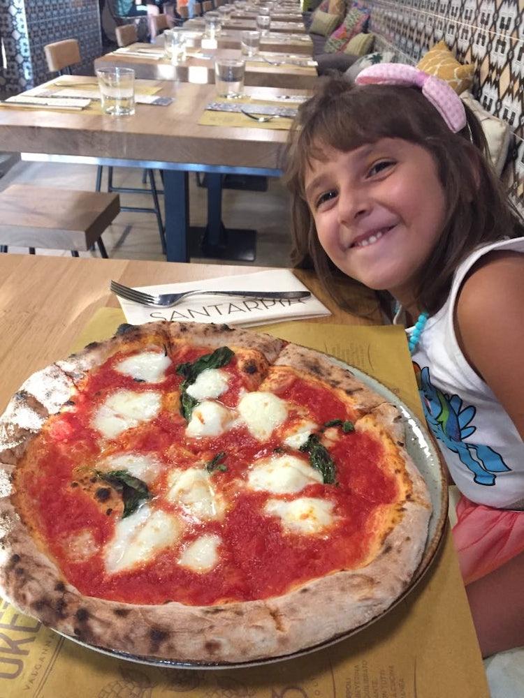 A Sophie piace la Pizza Margherita con Bufala!