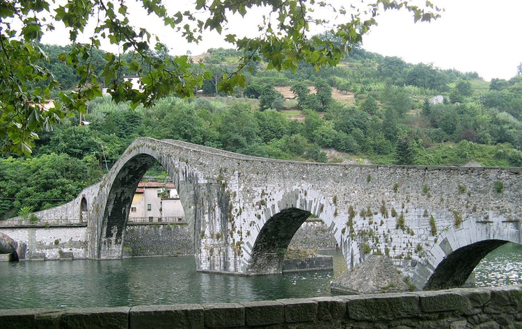 A point to start your visit of the Garfagnana after touring Lunigiana