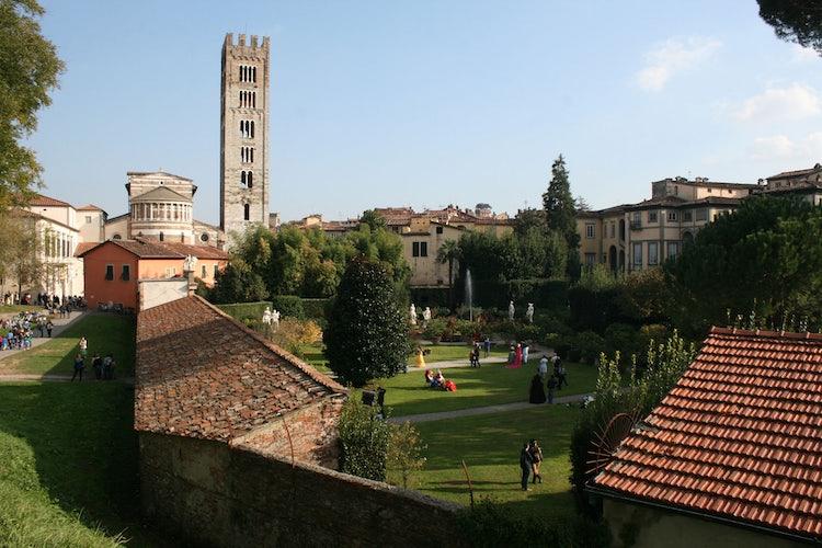 Vista di Lucca dalle mura