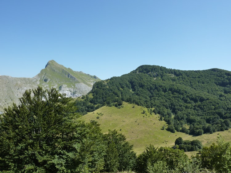 10 reasons why you want to  base your vacation in Lunigiana Tuscany