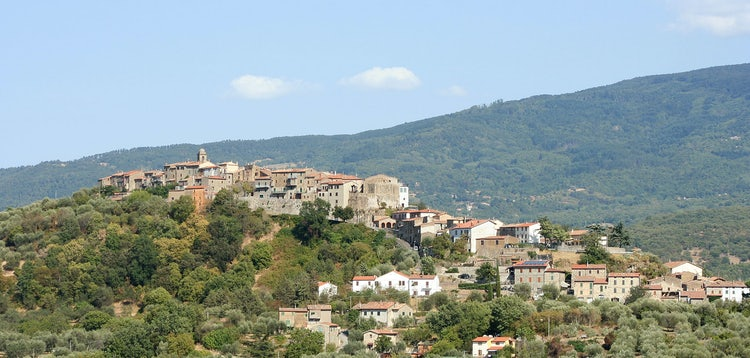 Characteristic hilltop towns are everywhere in Montecucco, Maremma, Tuscany