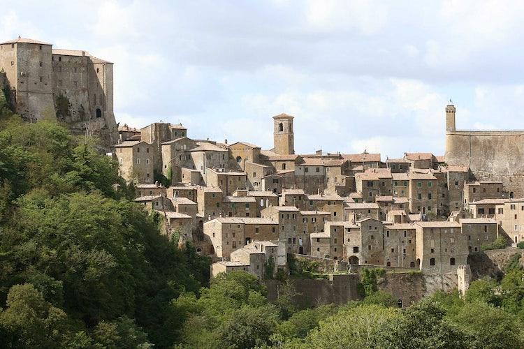 Sorano: Città del Tufo in the Maremma, southern Tuscany