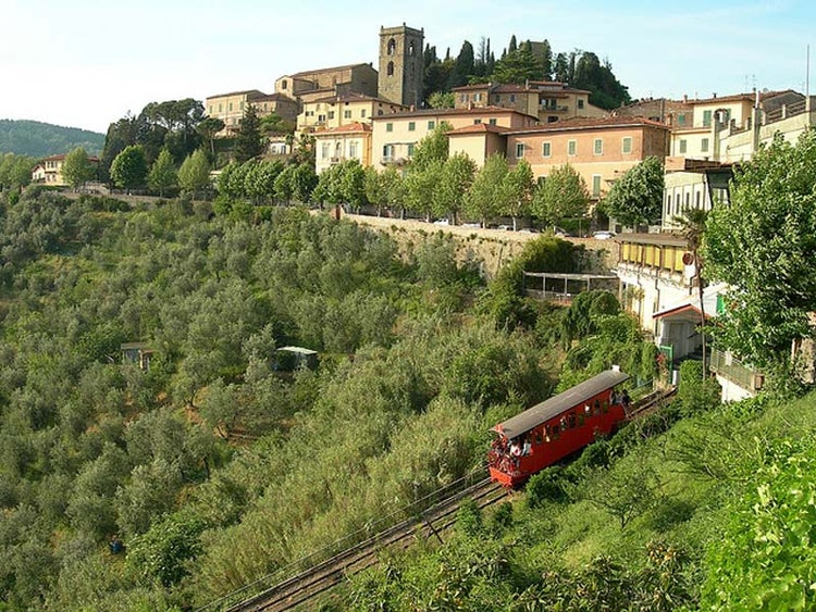 Cable car ride between Montecatini Terme & Montecatini Alto