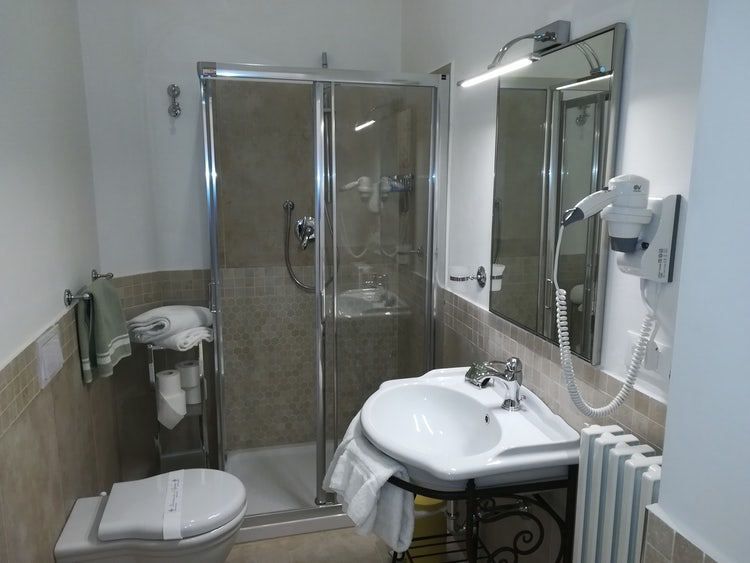 Borgo de Greci: Florence holiday rentals with brand new bathrooms