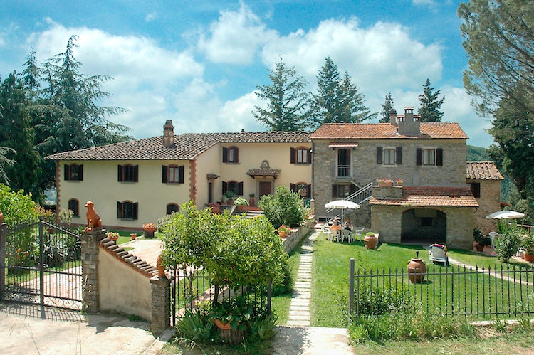 Tuscan villa farmhouse