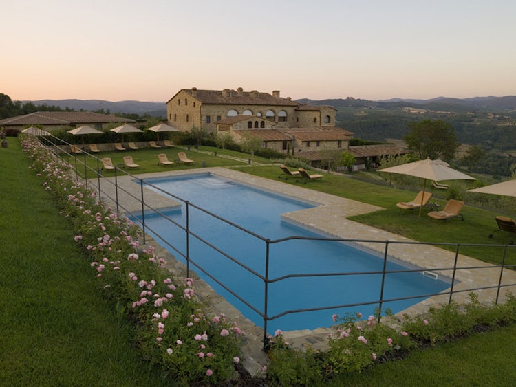 Enjoy a panoramic sunset at Hotel Le Fontanelle near Siena Tuscany
