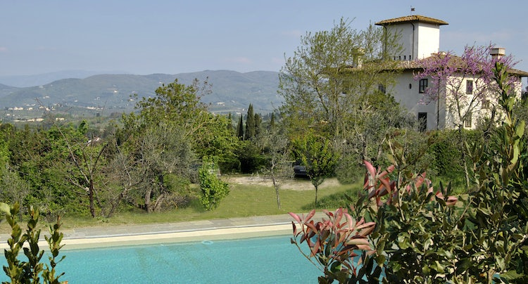 Private Tuscan villa rental with pool and great views