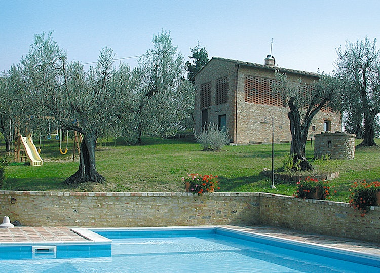Restored vacation villa and the Fienile at MonteAlbino in Tuscany