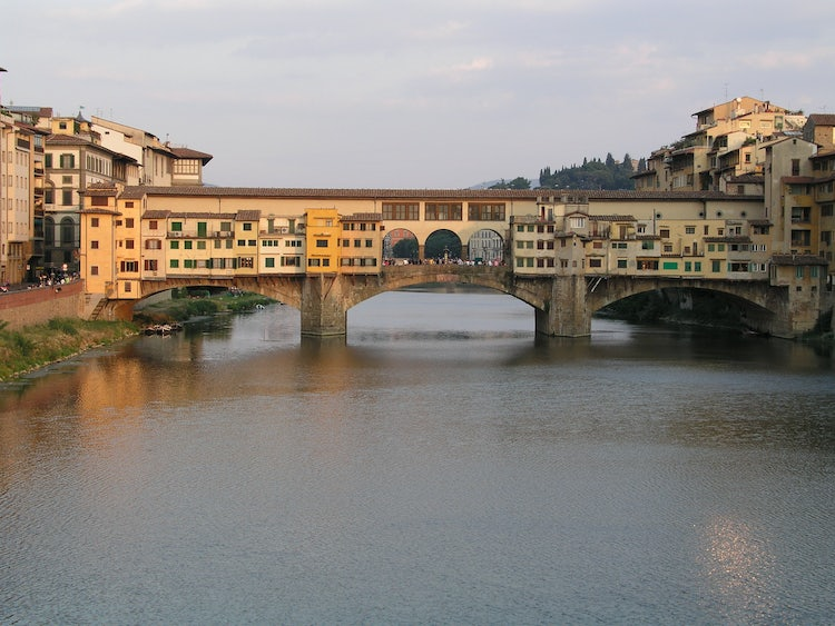 Romantic location within the city center of Florence at Gold Bridge