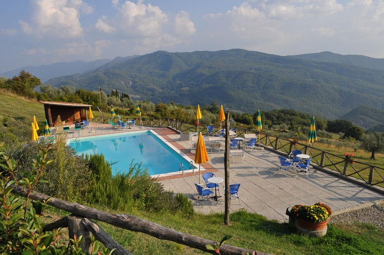 Kid-friendly Accommodations in Florence, Italy :: Pool and garden at I Nidi di Belforte