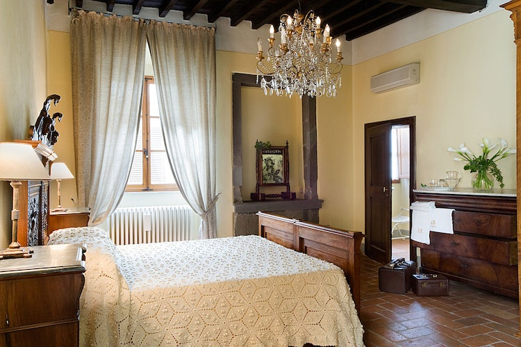 Country styled decor at Palazzo Malaspina