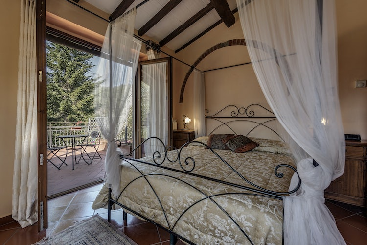 Deluxe bedroom at Poggio di Gaville