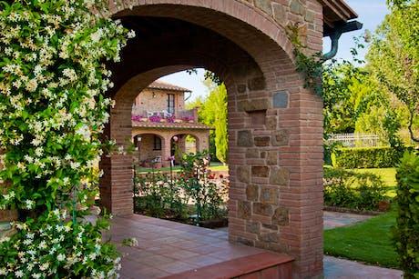 Tuscany Farmhouse AccommodationAgriturismo In ToscanaFarm