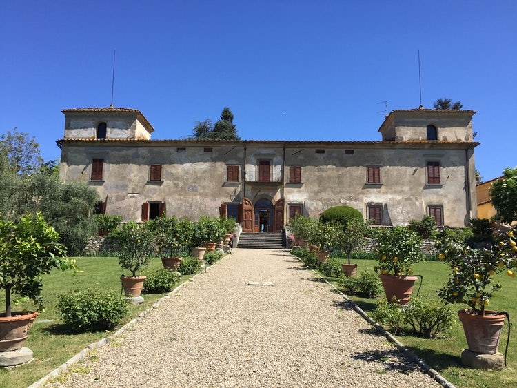 Tuscan villa rentals include historic homes & Tuscan farmhouses