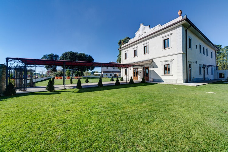 Stately Florentine villa for a romantic holiday