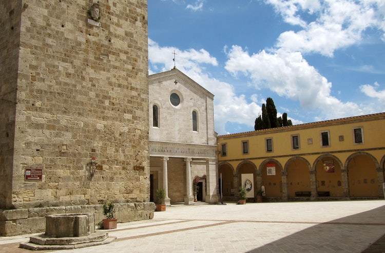 Visit Chiusi in South Tuscany: Review & Guide to Chiusi near ... on map of ancona italy, map of tarquinia italy, map of tuscany italy, map of venice italy, map of trieste italy, map of sicily italy, map of lanciano italy, map of livorno italy, map of puglia italy, map of spello italy, map of ravenna italy, map of caserta italy, map of civitavecchia italy, map of orvieto italy, map of milazzo italy, map of europe italy, map of sardinia italy, map of cetona italy, map of campobasso italy, map of norcia italy,