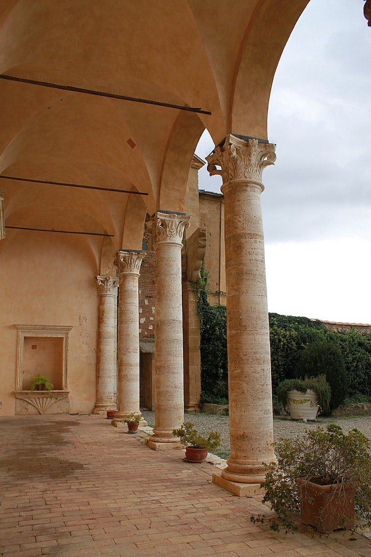 Internal courtyard of the Palazzo Piccolomini