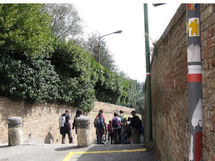 Turn right after Porta Romana in Siena for the via Francigena